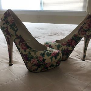 Floral Print high heeled shoes